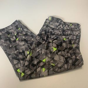 Xersion Grey Black Neon Green Cropped Leggings XL